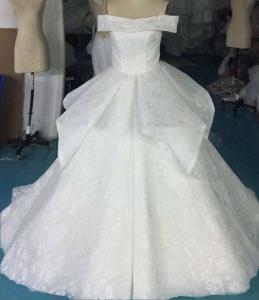 フルオーダードで完成したウエディングドレス