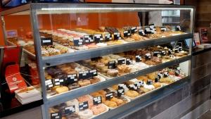 Randy's Donuts(ランディーズドーナッツ)ハリウッドの店内