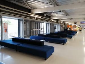 成田空港第3ターミナルの無印良品ソファー