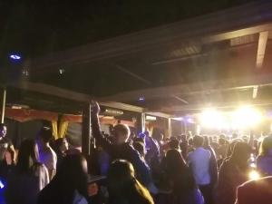 バギオ最大級のクラブThe CAMP(ザキャンプ)2階フロア(クラブ・ダンスフロア)の画像写真