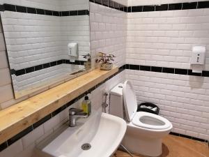 フィリピン(バギオ)のWi-Fi最強カフェQuoted Cafeのトイレの画像
