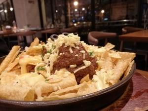 フィリピン(バギオ)のWi-Fi最強カフェQuoted CafeのNACHOS OVERLOADの画像