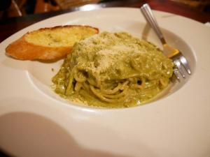 Seacret garden(シークレットガーデン)バギオで一番美味しいイタリアンレストランのバジルとチーズを使ったパスタの画像