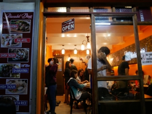 【フィリピン留学】バギオにあるアラブ料理の美味しいお店のご紹介。@bonabilエントランスの画像