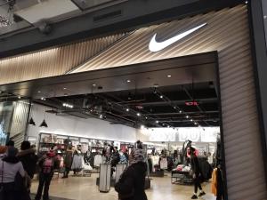 【海外購入代行】海外で購入できるスニーカー直営店内Nike(ナイキ)の店舗画像