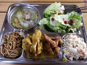 【フィリピン留学最安値の実態‼︎】MONOL(モノル)の食事・教師の質を徹底解説します。給食の写真