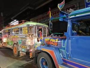 【フィリピン留学最安値の実態‼︎】MONOL(モノル)の食事・教師の質を徹底解説します。ジプニーの写真