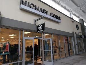 【完全保存版】超簡単‼︎トロントプレミアムアウトレット店舗の紹介 マイケル・コース(Michael Kors)の店舗画像