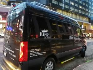 【完全保存版】超簡単‼︎トロントプレミアムアウトレットバスで行く方法と店舗紹介 Kingバスの画像